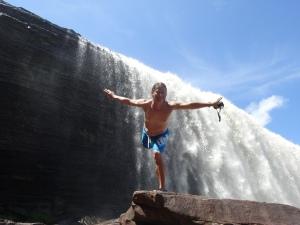 laguna de canaima - ein haufen toller wasserfälle, hinter denen man entlang spazieren kann