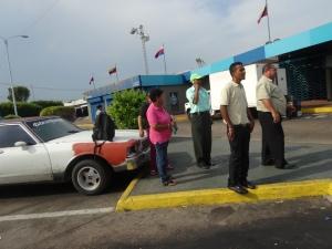 Maracaibo: Taxi, Taxifahrer plus Personal des