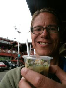 Töpfchen mit Ceviche. Gefunden auf dem Markt in Puerto Montt, Chile. hmmmmm!