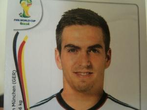 WM-Finale Deutschland - Spanien, Sielstand 2:1, Nachspielzeit, 94. Minute, Sergio Ramos köpft nach einer Ecke den Ball wuchtig ins Tor zum Ausgleich, nein, stopp! Philipp Lahm steht neben dem Pfosten und holzt den Ball auf die Tribüne. Yeahhhh!!!